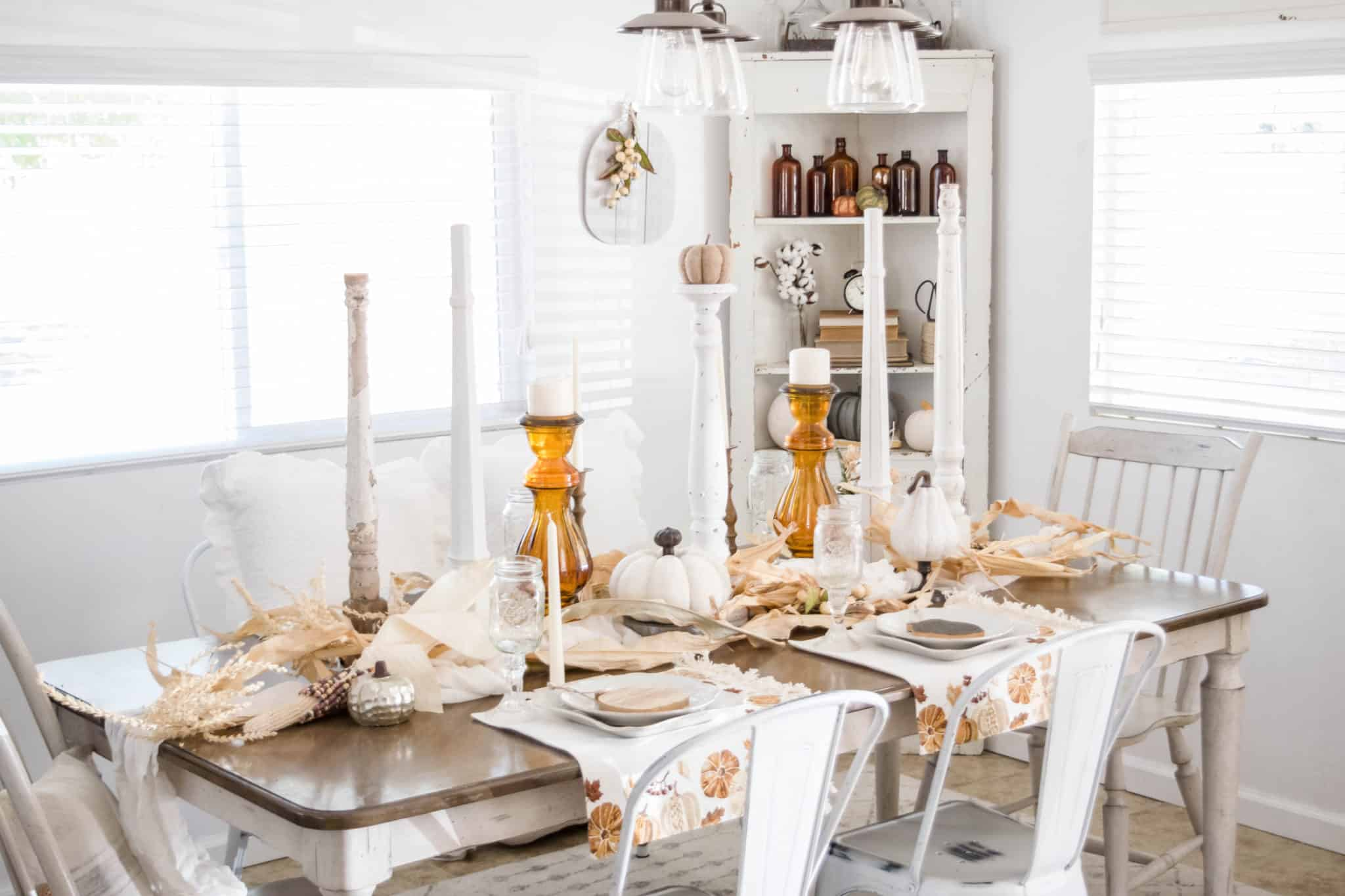 Hudson Farmhouse Fall Tablescapes